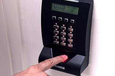 Accesso tramite lettore di dati biometrici